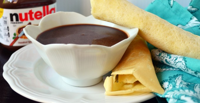 Sweet Crepes with Nutella Fondue