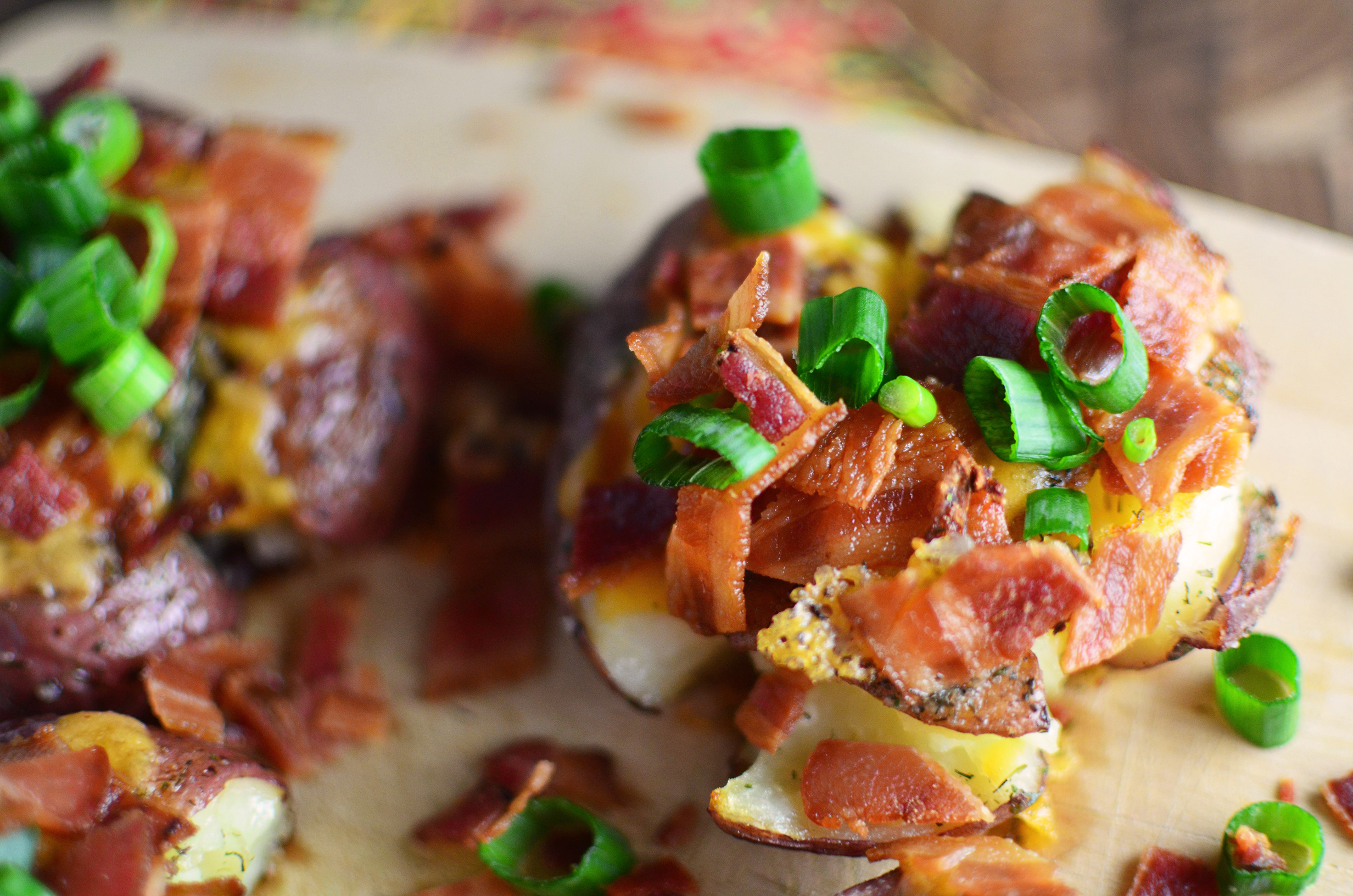 These Loaded Ranch Smashed Potatoes are topped with all the goodies ...