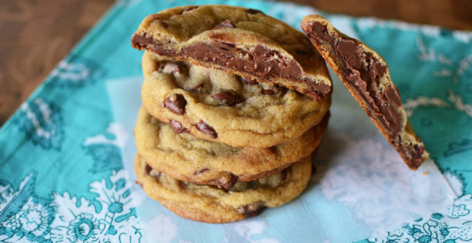 Nutella-Stuffed Chocolate Chip Cookies